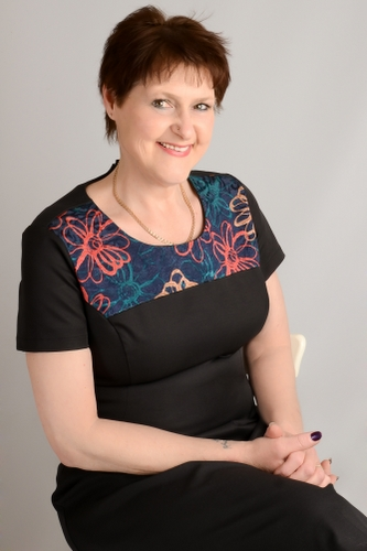 Julia Holmes at rubery hypnotherapy